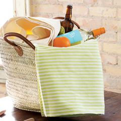 Naples Picnic Basket &amp; Canvas Tablecloth